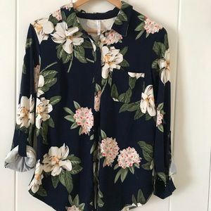 Tops - Floral print long sleeve button up